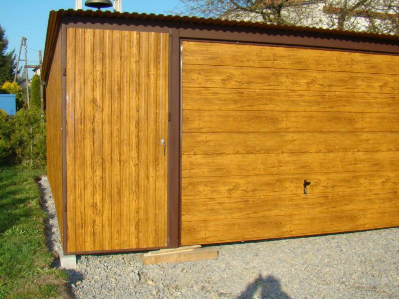 garaże blaszane